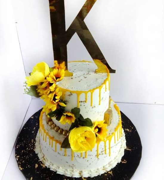 haddicious sunflower 2 tier cake